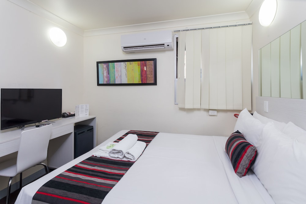 City Edge Brisbane Hotel Boutique Double Room With Cruise Cabin Style