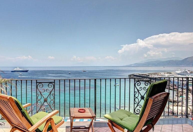 Hotel Belvedere & Tre Re, Capri, Varanda com Espreguiçadeiras