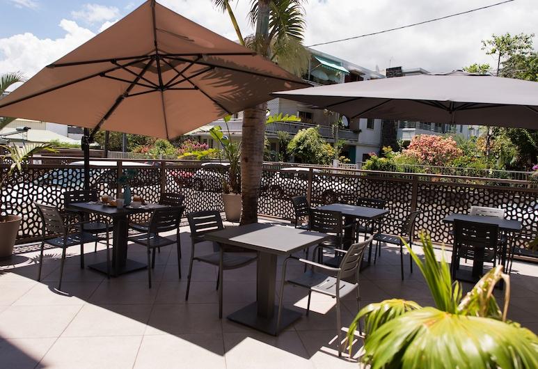 Hotel Select, Saint-Denis, Terrace/Patio