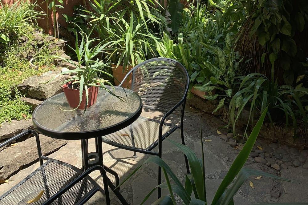 Single Room - Garden View