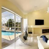 Эксклюзивный дом, 4 спальни, отдельный бассейн, вид на канал (Gulf Access) - Гостиная