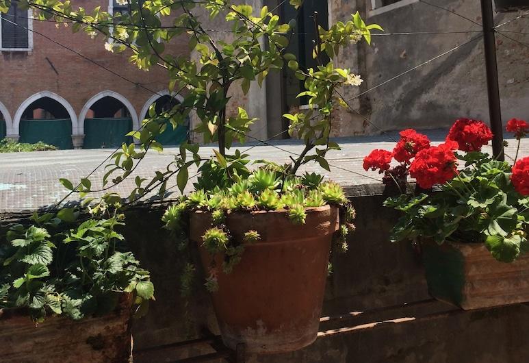Le Repubbliche Marinare Guesthouse, Venice, Garden
