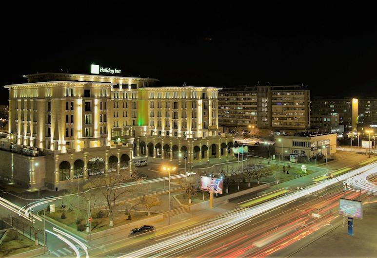 Holiday Inn Aktau, Aktau, Hotel Front – Evening/Night