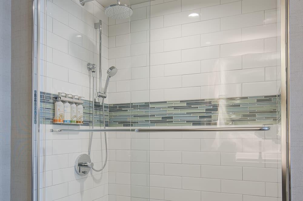 Quarto, 1 cama King, Acessível, para não fumantes (Mobility Tub) - Banheiro