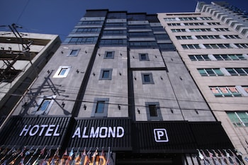 Foto van Hotel Almond Busan Station in Busan