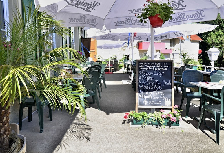 Cafe Verkehrt - Kultur Genuss Hotel, Murg, Outdoor Dining