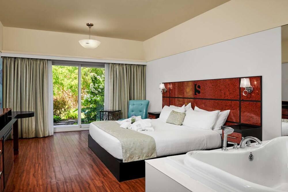 Розкішний номер, 1 ліжко «кінг-сайз», ванна з гідромасажем, з видом на річку - Номер