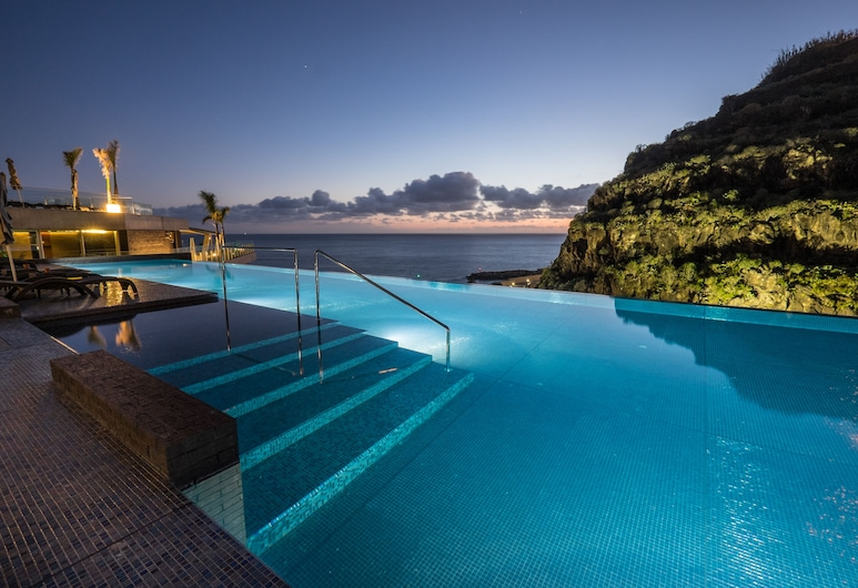 Saccharum resort & spa, Calheta, Infinity Pool