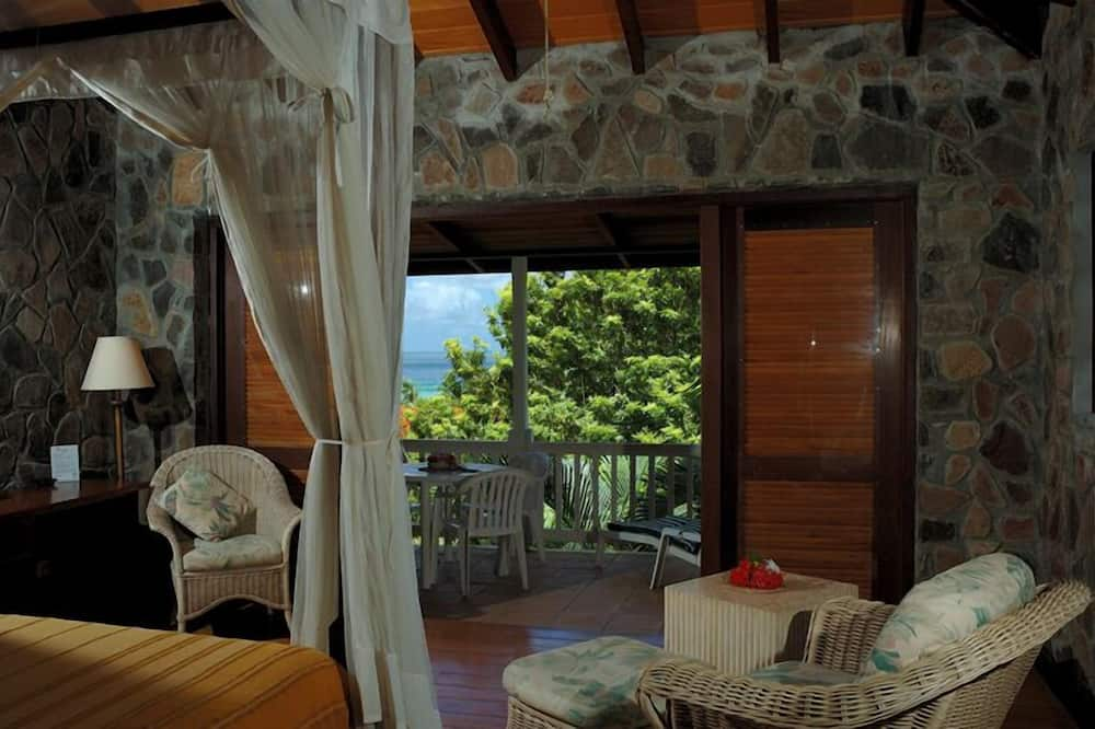 Superior Double Room, 1 King Bed, Refrigerator, Sea View - Living Area
