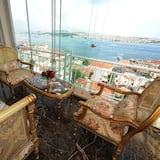 Deluxe Suite, Sea View - Balcony