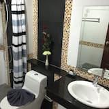 Superior Room, 1 Bedroom - Bathroom
