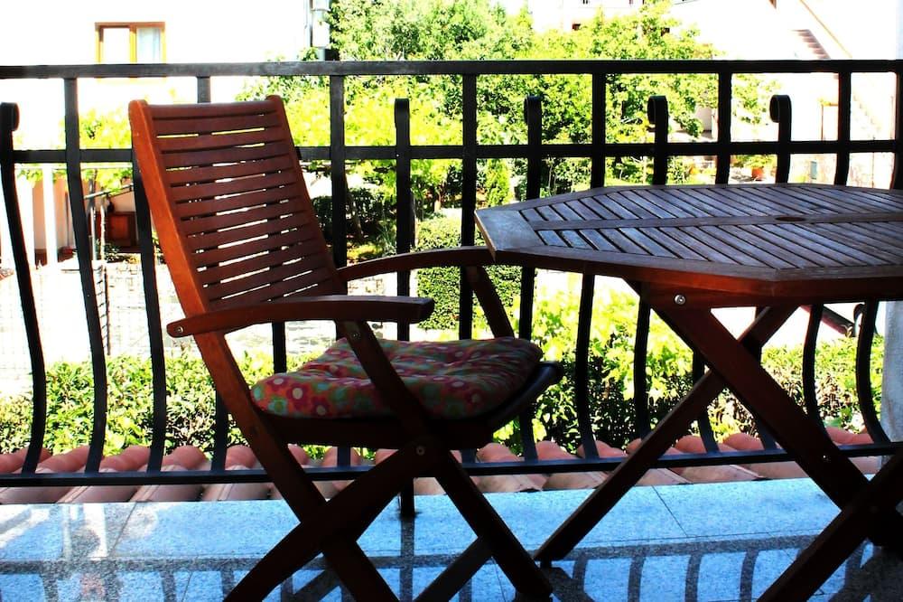 Апартаменты «Комфорт», 1 двуспальная кровать «Кинг-сайз» - Балкон