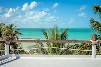 Picture of Beachfront Hotel La Palapa - Adults Only in Isla Holbox