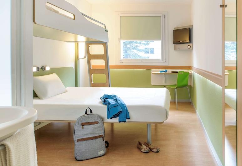 ibis budget Poitiers Centre Gare, Poitiers, Chambre Triple, plusieurs lits, Chambre
