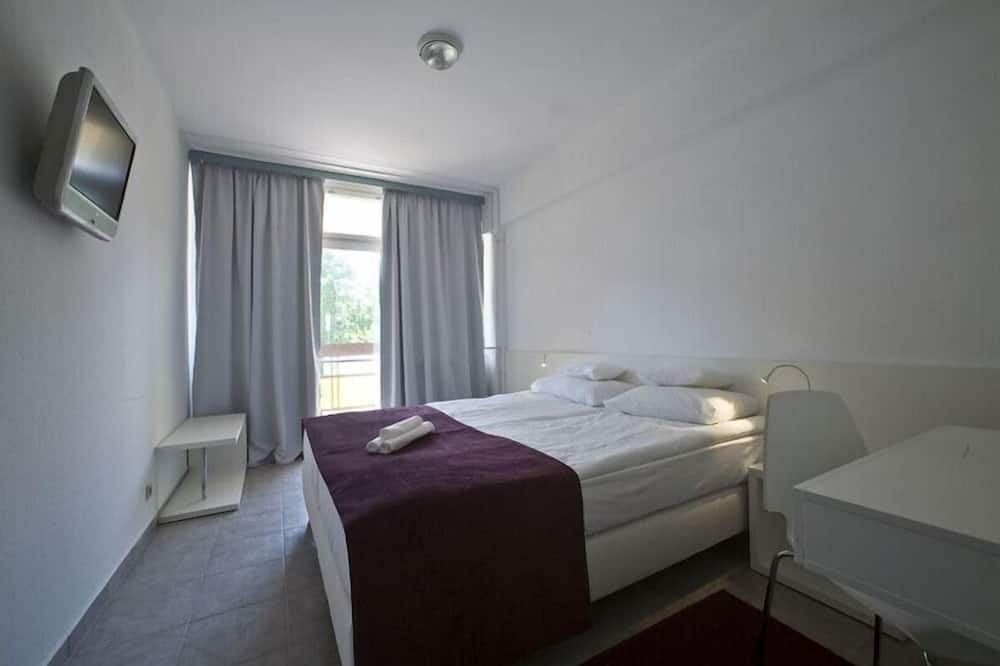 Standard Double Room Single Use, Garden View - Living Area