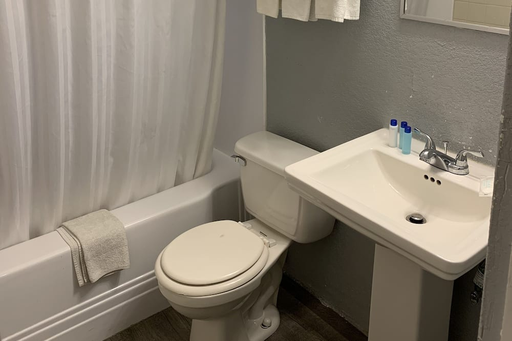 Standard-Doppelzimmer, Nichtraucher - Badezimmer