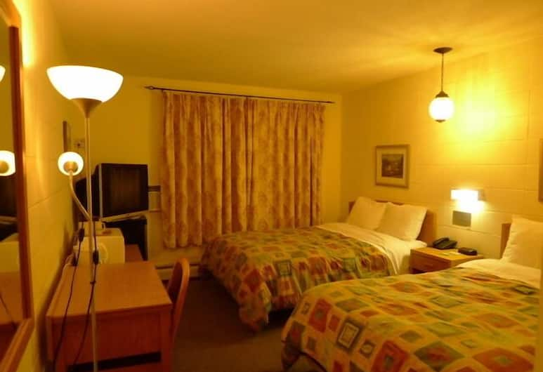Colonial Motel, Nanaimo, Deluxe Room with 2 Double Beds, Guest Room