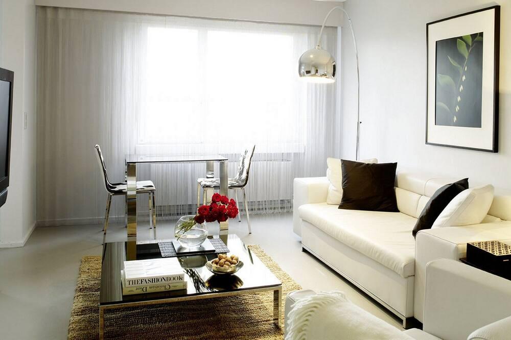 Studio Apartment Senior, Building 50 - Living Area