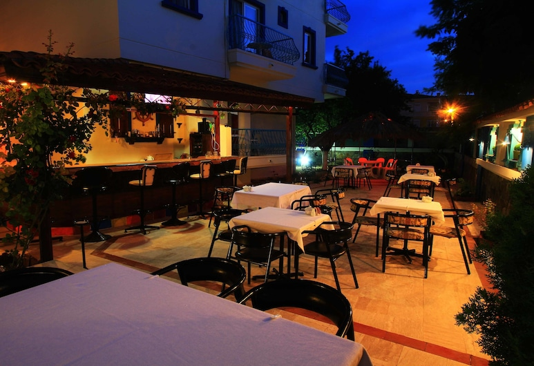 Koz Marigold Apart Hotel, Çeşme, Otel Barı