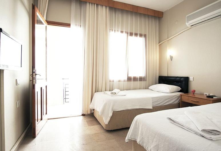 Koz Eren Otel, Çeşme, Standard İki Ayrı Yataklı Oda, 1 Tek Kişilik Yatak, Balkon, Oda
