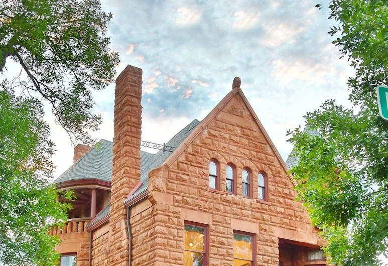 Capitol Hill Mansion Bed and Breakfast Inn, Denver, Hotel Front