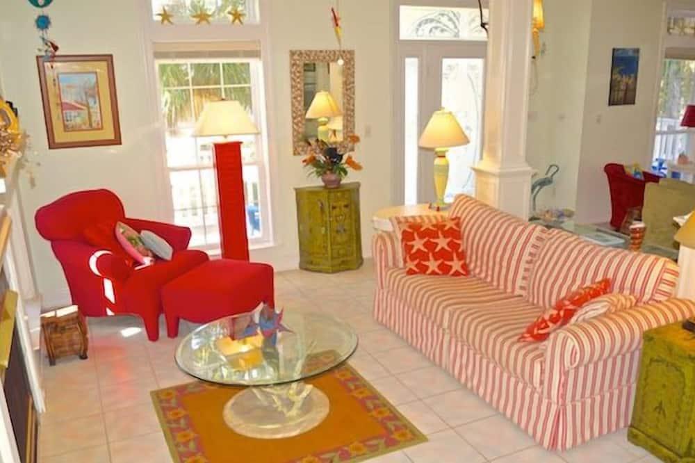 Ev, 4 Yatak Odası (Just Beachy - House Only) - Oturma Alanı
