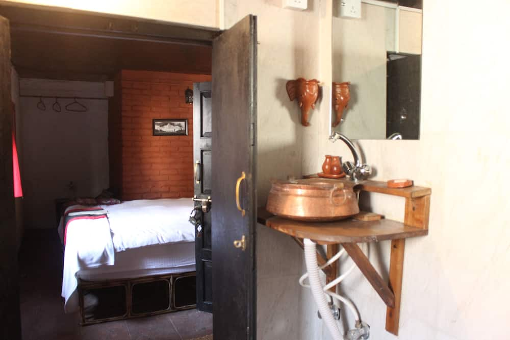 Premium Room, 1 Bedroom - Bathroom