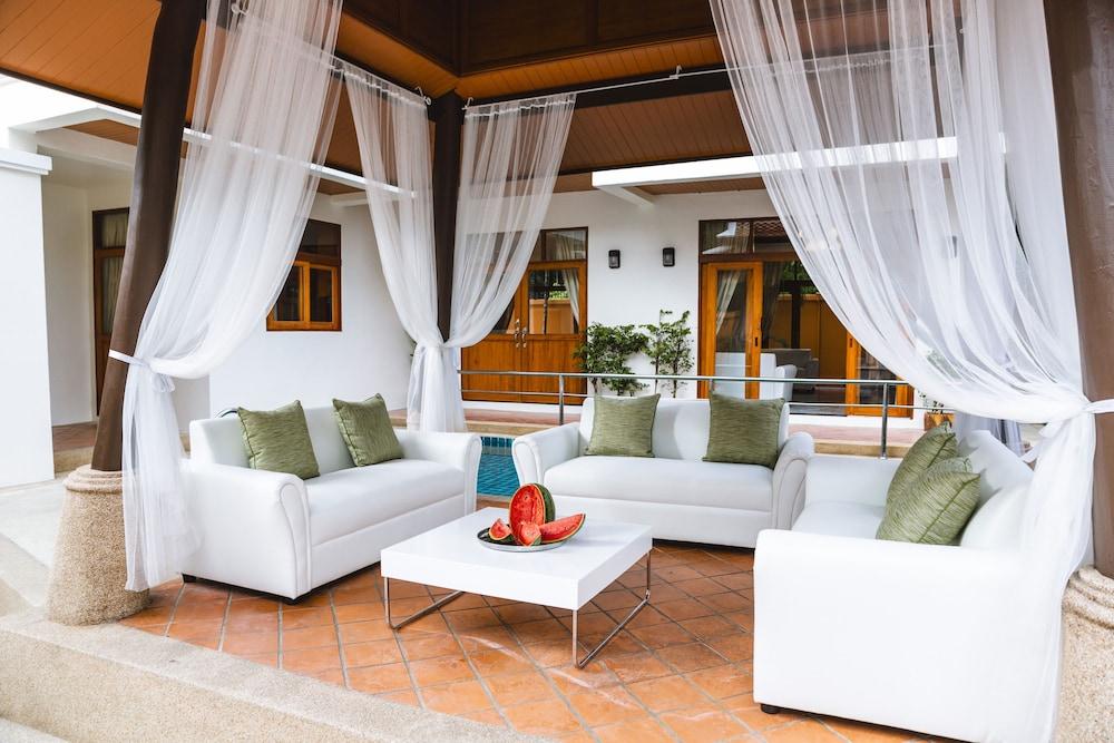 Arabella Villas Pattaya Terrace Patio