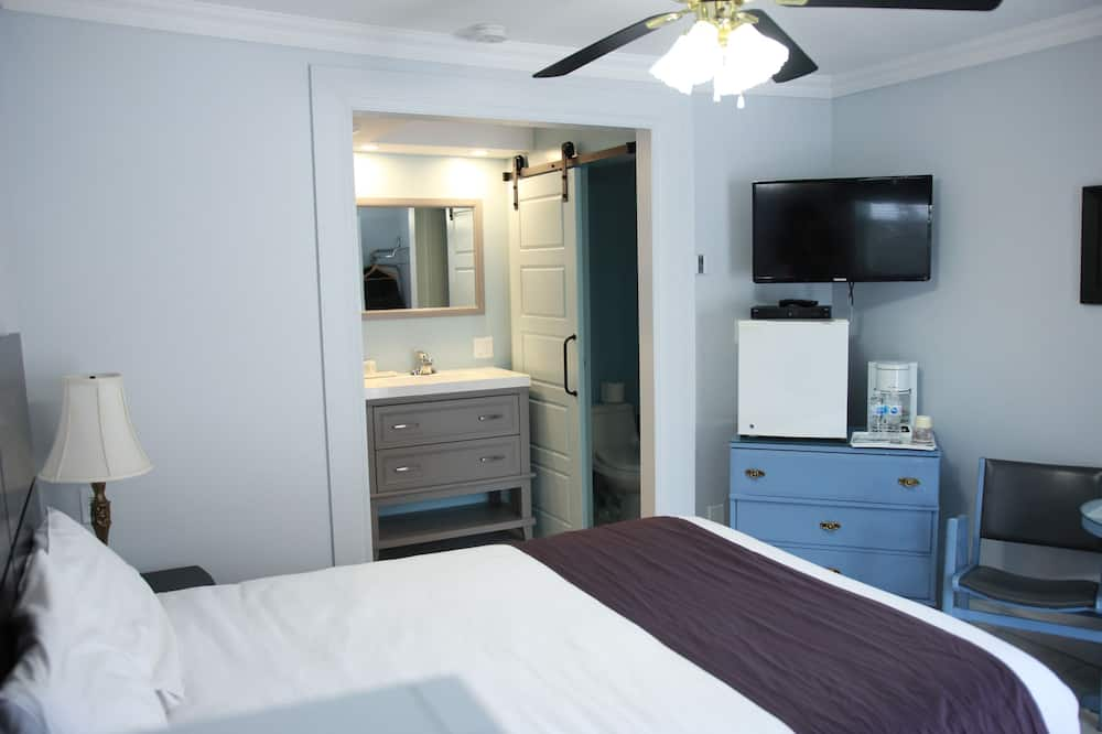Superior Room, 1 Queen Bed, Double Bathtub, Electric Fireplace - Guest Room