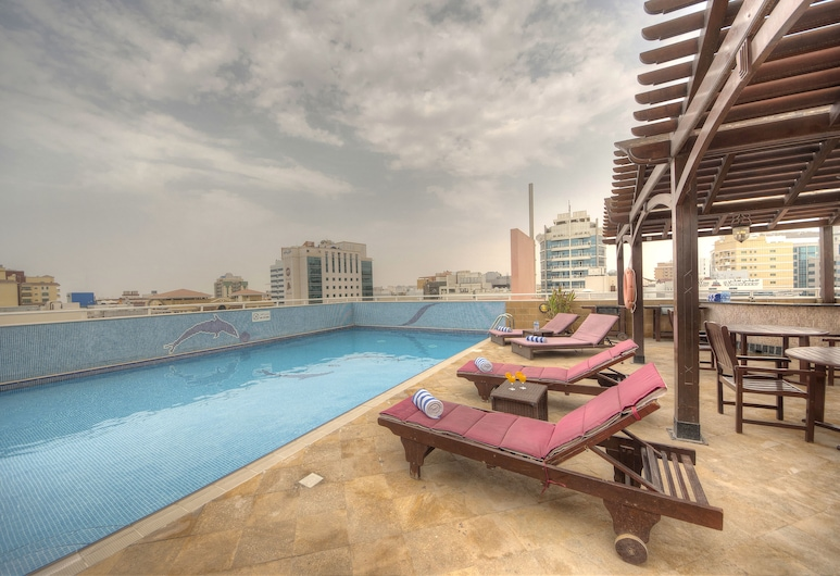 La villa Najd Hotel Apartments, Dubai, Takterrasspool
