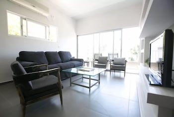 Gambar Sea Suites Apartments di Tel Aviv