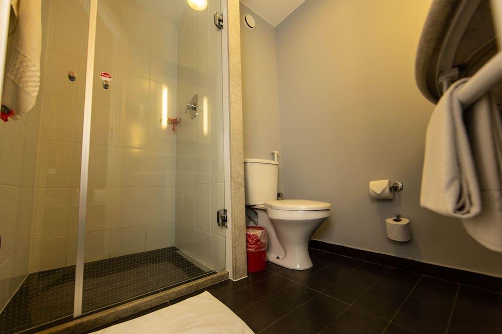 Standard apartman, 2 egyszemélyes ágy - Fürdőszoba