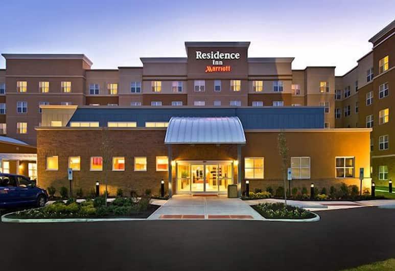 Residence Inn Augusta, Augusta, Hotellin julkisivu illalla/yöllä