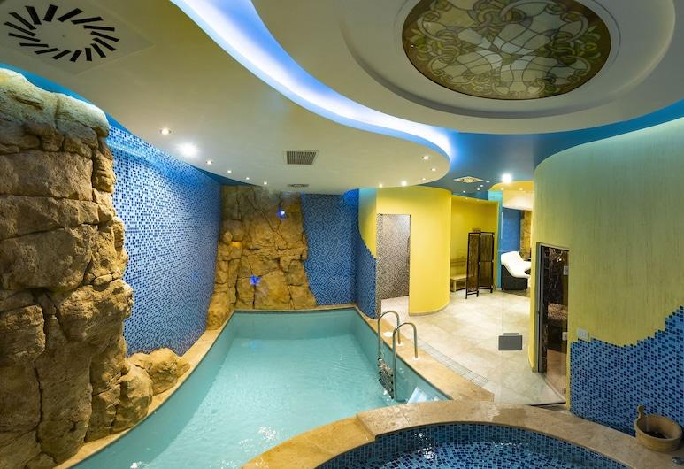 Hotel Forum, Yerevan, Familie vierpersoonskamer, 2 queensize bedden, Binnenzwembad