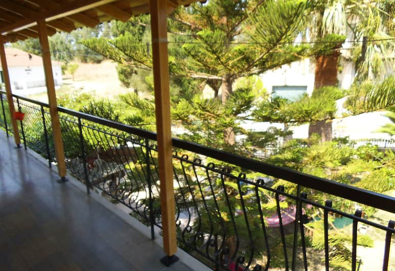 Villa Xenos Studios & Apartments, Ζάκυνθος, Διαμέρισμα, 2 Υπνοδωμάτια, Μπαλκόνι, Θέα στον Κήπο, Θέα από το δωμάτιο