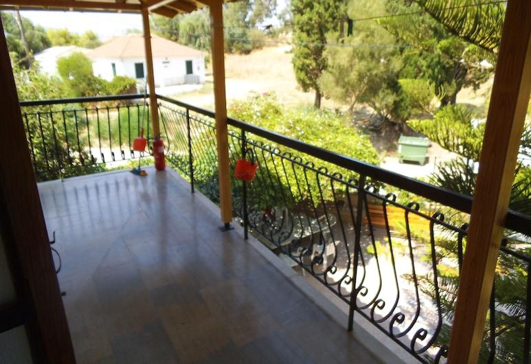 Villa Xenos Studios & Apartments, Ζάκυνθος, Διαμέρισμα, 2 Υπνοδωμάτια, Μπαλκόνι, Θέα στον Κήπο, Μπαλκόνι