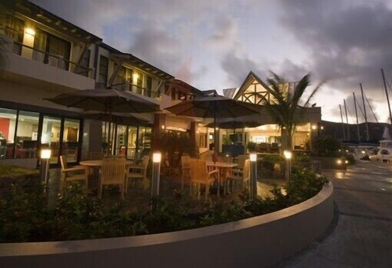The Mariner Inn Hotel, Road Town, Hotel Front – Evening/Night