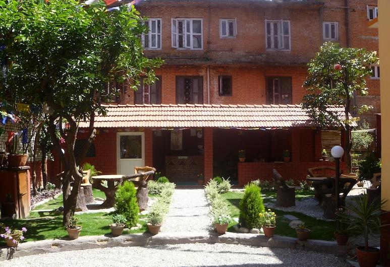 Andes House, Kathmandu, Otelin Önü