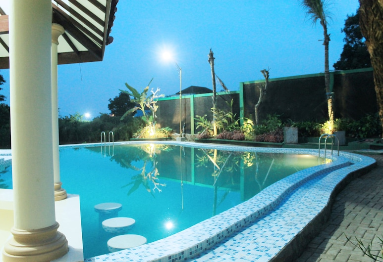 Zamzam Hotel and Convention, Batu, Outdoor Pool