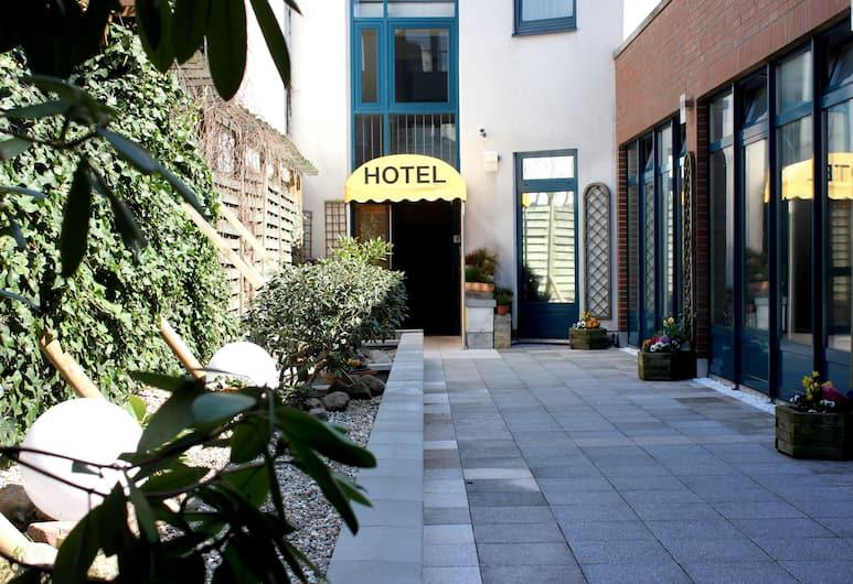 Hotel Cabo, Hamburg, Innenhof