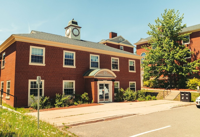 UNB Fredericton Summer Accommodations, Fredericton