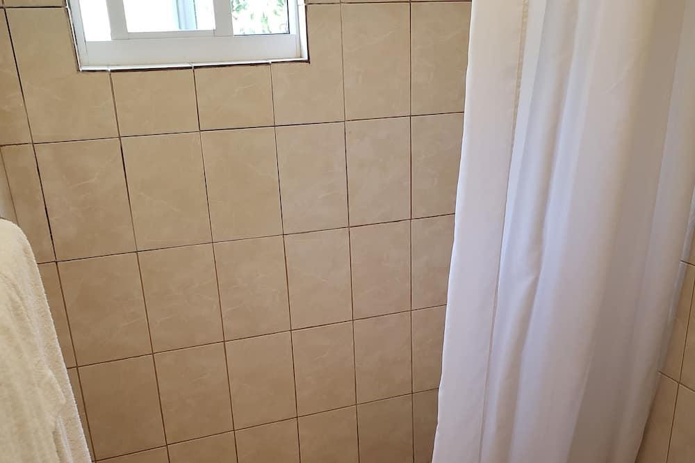 Familie-studiolejlighed - 2 dobbeltsenge - Badeværelse