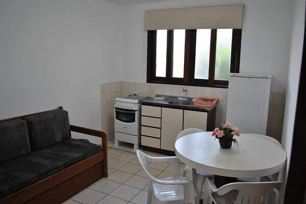 Standard Quadruple Room, Kitchen - In-Room Dining