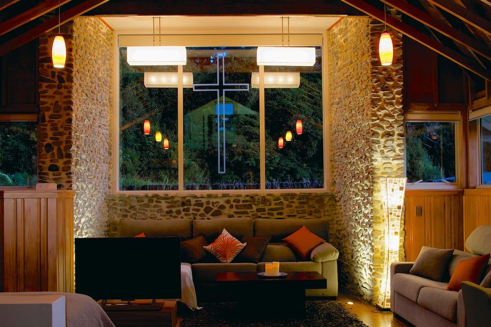 ลักซ์ชัวรี่คอทเทจ, เตียงคิงไซส์ 1 เตียง, ห้องครัว, วิวภูเขา - พื้นที่นั่งเล่น