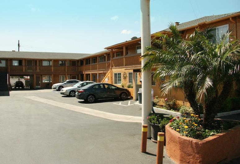 Navajo Lodge, San Diego, Hotel Entrance