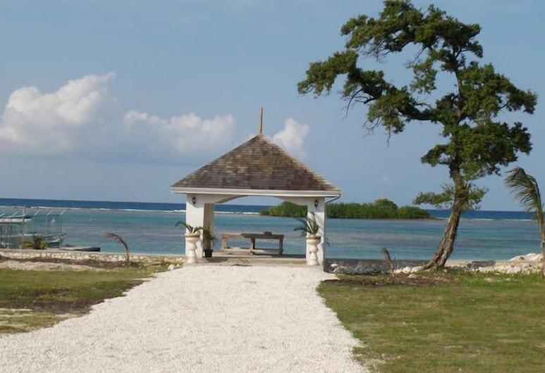 Luxurious Romantic Suite Kensington, Teluk Montego  , Pantai