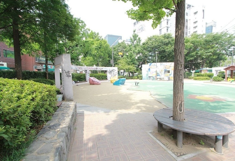 Cocoon stay Hongdae Guesthouse, Seoul, Property Grounds