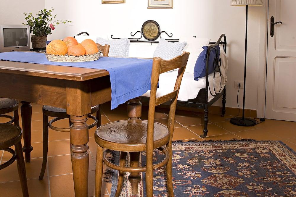 Apartment, 1 Bedroom, Terrace, Garden View - Ruang Tamu