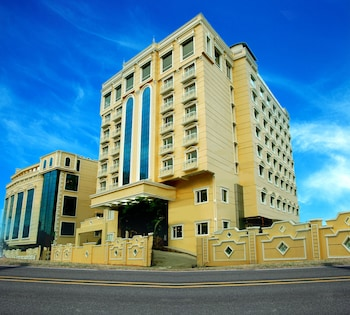 Pondicherry bölgesindeki Shenbaga Hotel and Convention Centre resmi