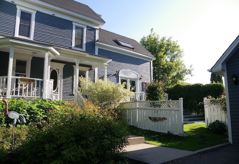 The Colonel's In Bed and Breakfast, Fredericton, Terasa